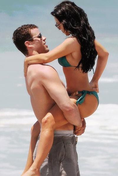 Kim and Kris in Puerto Mita